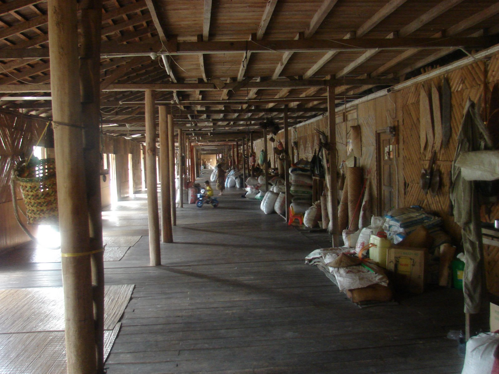 longhouse interieur